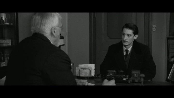 Adriens erstes Treffen mit Hoffmeister - Szene Poster