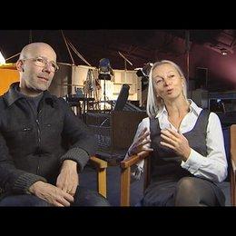 Uli Putz / Jakob Claussen (Produktion) über den Drehort Gravina in Italien - Interview Poster