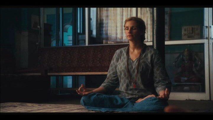 Liz' erste Meditationsversuche - Szene Poster