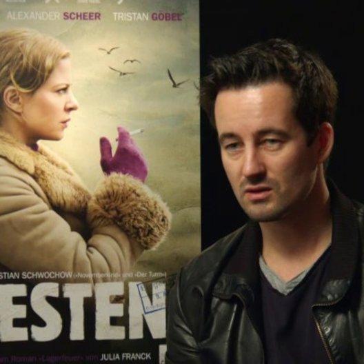 Christian Schwochow - Regisseur - über die Stimmung des Films - Interview Poster