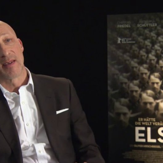 Oliver Hirschbiegel (Regie) darüber wie nah das Drehbuch an der Realität ist, über die Recherche zum Film, über Christian Friedel - Interview Poster