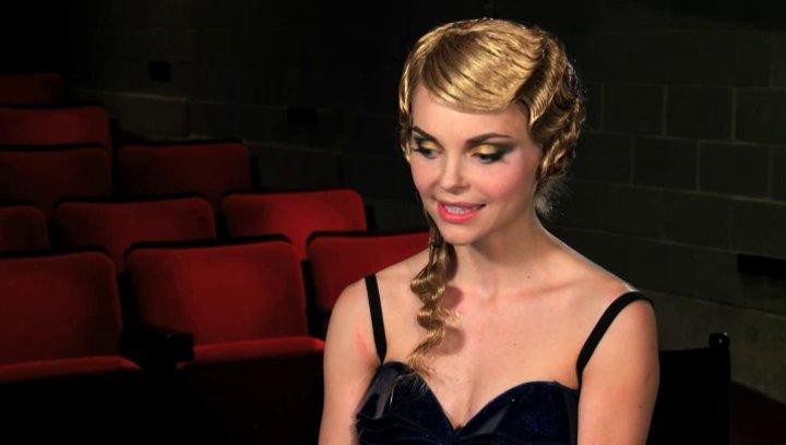 Izabella Miko über ihre Begeisterung in einem Tanzfilm mitzuspielen - OV-Interview Poster