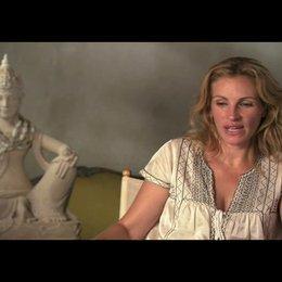 "Julia Roberts (""Elizabeth ""Liz"" Gilberts"") über Regisseur Ryan Murphy - OV-Interview Poster"