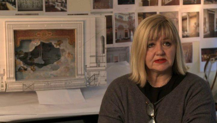 Sarah Greenwood über die aufwendigen Szenen auf der Bühne - OV-Interview Poster