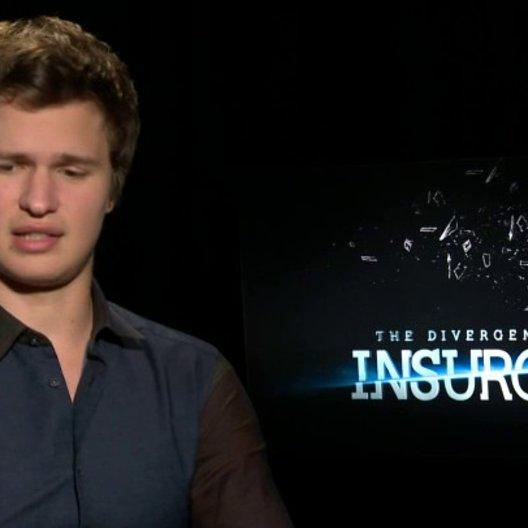 Ansel Elgort - Caleb - über die Actionszenen im Film - OV-Interview Poster