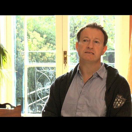 Simon Beaufoy über die neuartige Kamera - OV-Interview Poster