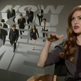 Isla Fisher - Henley Reeves - über die Motive der The Four Horsemen - OV-Interview Poster