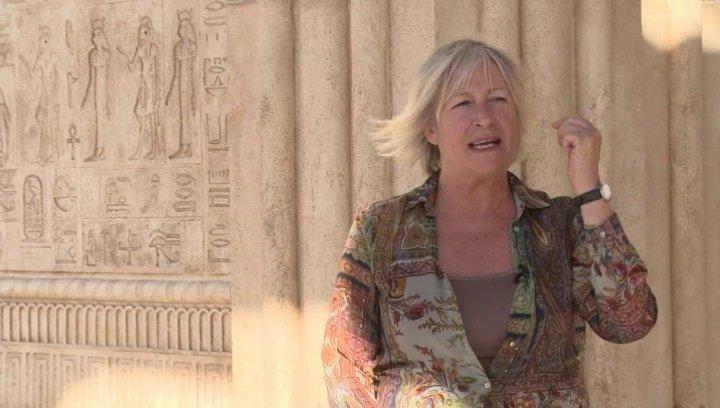 Janty Yates über Ridleys Arbeit an dem Epos - OV-Interview Poster