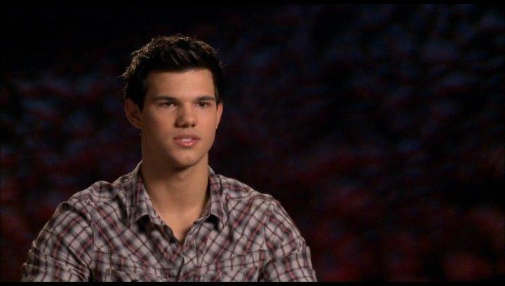 Taylor Lautner (Jacob Black) - über seine Rolle als Jacob - OV-Interview Poster
