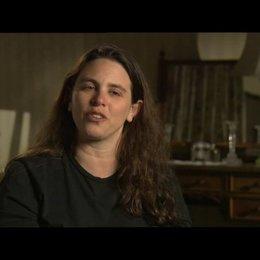 TANYA WEXLER (Regie) über die Hysterie und ihre Behandlungsmethode - OV-Interview Poster