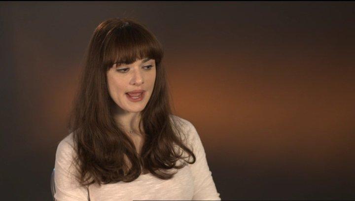 Rachel Weisz (Rose Daly) über ihre Rolle - OV-Interview Poster