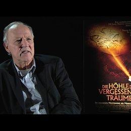 Werner Herzog über seinen Kommentar im Film - Interview Poster