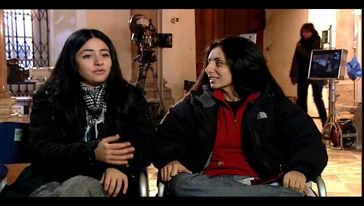 Yasemin Samdereli und Nesrin Samdereli (Regie und Drehbuch) über die Zusammenarbeit mit einem deutsch-türkischen Team - Interview Poster