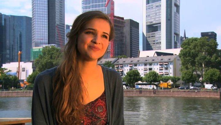 Lisa Vicari - Lilli -  über die Mädchen und Jungs im Film - Interview Poster
