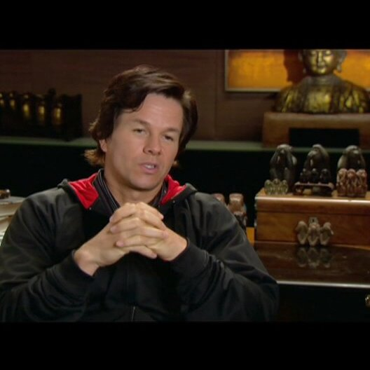 Mark Wahlberg über Steve Carell und Tina Fey - OV-Interview Poster