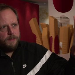 Smudo (Onkel Walther), Dagmar Niehage (Produzentin) und Tina von Traben (Regisseurin) über den Inhalt - Interview Poster