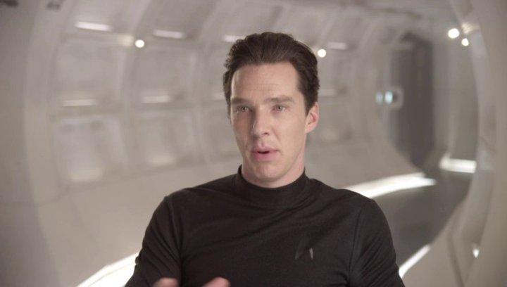 Benedict Cumberbatch - John Harrison - über den Respekt den JJ Abrams den Schauspielern entgegen bringt - OV-Interview Poster