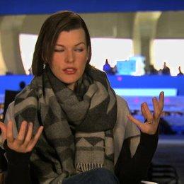 Milla Jovovich über die Umbrella Corporation - OV-Interview Poster