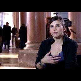 Aylin Tezel (Canan) über das Drehbuch - Interview Poster