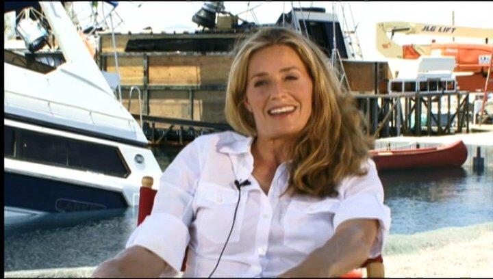 Elisabeth Shue (Julie Forester) über das, was die Zuschauer erwartet - OV-Interview Poster