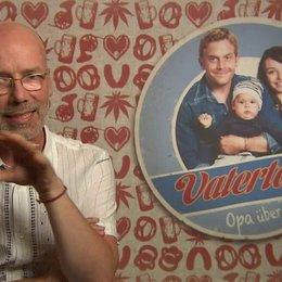 Jakob Claussen -Produzent- darüber was die Komik ausmacht - Interview Poster