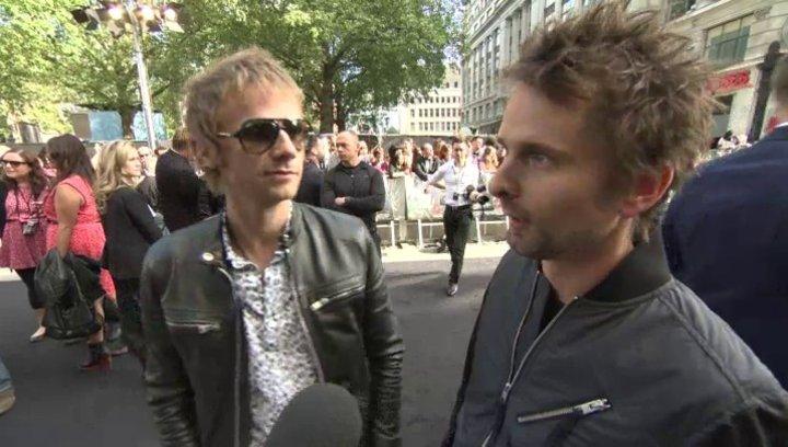 Matthew Bellamy und Dominic Howard - MUSE - Premiere London - OV-Interview Poster