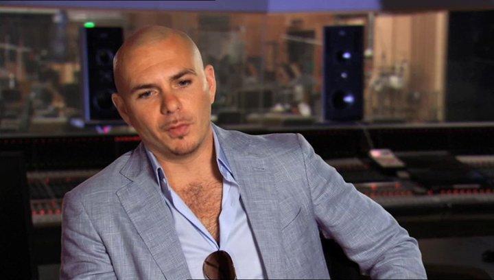 Pitbull - Bufo - über die Zusammenarbeit mit der übrigen Besetzung - OV-Interview Poster