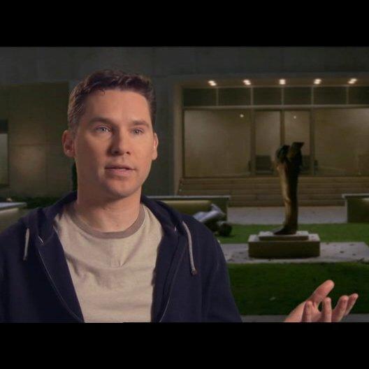 Bryan Singer - Produzent - über den Film, und wie er von den Rollen getragen wird - OV-Interview Poster