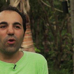 Adnan Maral Metin über Autor und Regisseur Bora Dagtekin - Interview Poster
