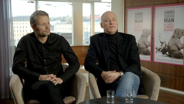 Robert Gustafsson - Allan Karlsson - darüber,  wie er sich den wahnsinnigen Erfolg des Buches erklärt - OV-Interview Poster