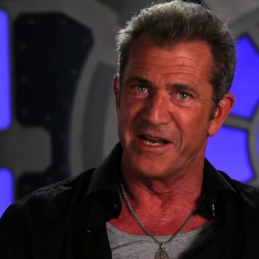 Mel Gibson über Danny Trejo - OV-Interview Poster