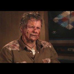 "Zombie ""Frank"" über das Catering bei den Dreharbeiten - Interview Poster"