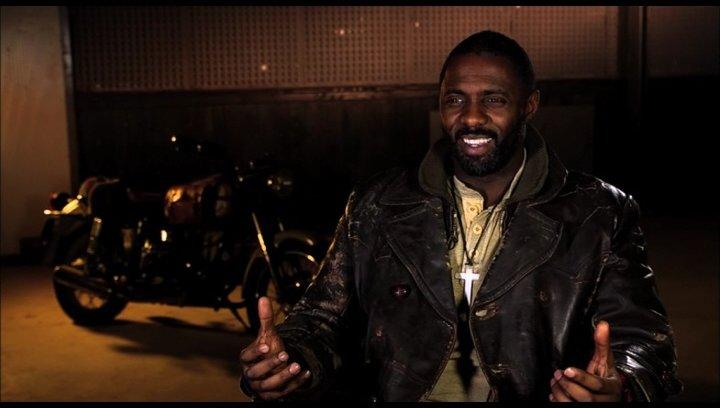 Idris Elba über Mark Neveldine und Brian Taylor als Kameramänner - OV-Interview Poster