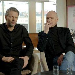 Felix Herngren - Regisseur - über Robert Gustafsson - OV-Interview Poster