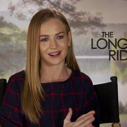 Britt Robertson darüber die Rolle zu bekommen - OV-Interview Poster