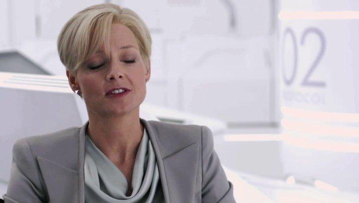 Jodie Foster über Matt Damons Rolle Max - OV-Interview Poster