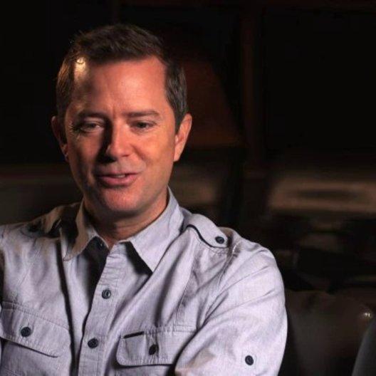 Stiles White über das Ouijabrett als Basiselement des Films - OV-Interview Poster