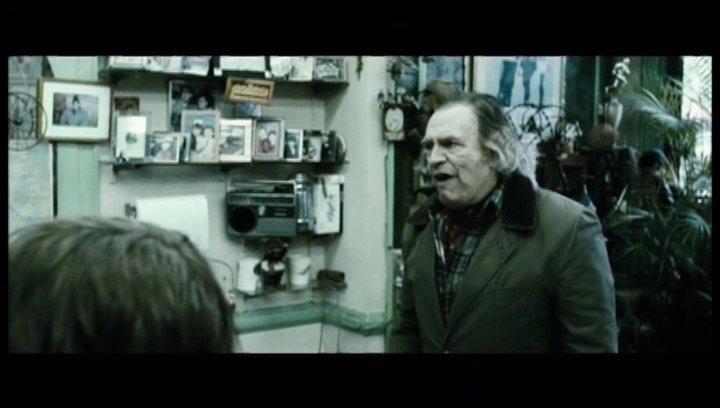 Jacques bringt Lucas zum Friseur - Szene Poster