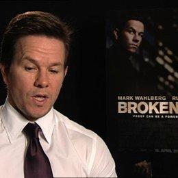 Mark Wahlberg über die Dreharbeiten in New York - OV-Interview Poster