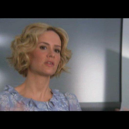 """Sarah Paulson - """"Ellen Dolan"""" über ihre Rolle in The Spirits Leben - Interview Poster"""