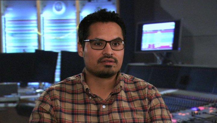 Michael Peña -Tito - über das Anfreunden von Tito und Turbo - OV-Interview Poster