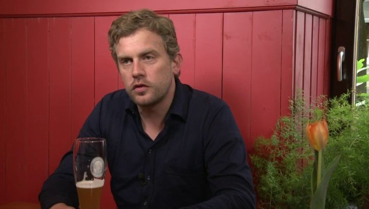 Sebastian Bezzel - Franz Eberhofer - über seine Rolle in Dampfnudelblues - Interview Poster