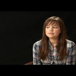 Emilia Schüle (Mila) über Milas Entwicklung - Interview Poster