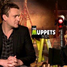 Jason Segel (Gary) und Walter über Walters Figur - OV-Interview Poster