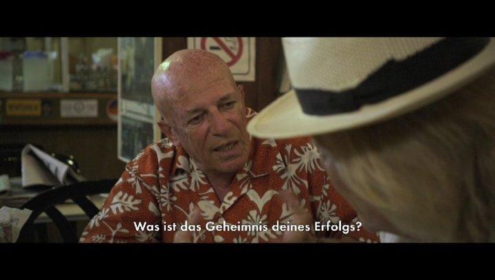 Rolf Eden trifft alte Weggefährten in Tel Aviv - Szene Poster