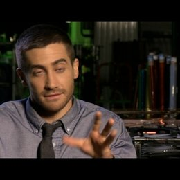Jake Gyllenhaal (Colter Stevens) über Michelle Monaghan - OV-Interview Poster