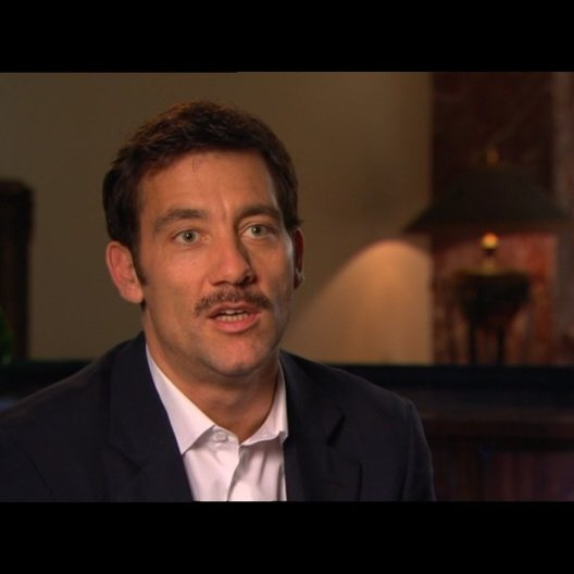 Clive Owen (Spike) über seine Rolle - Interview Poster