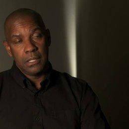 Denzel Washington über Regisseur Antoine Fuqua - OV-Interview Poster