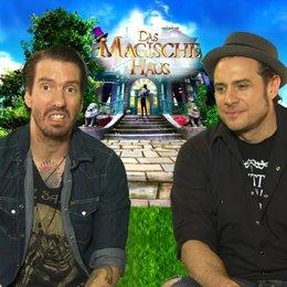 Bosshoss - Mark und Mike - über die anderen Charaktere - Interview Poster
