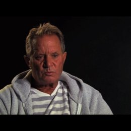 David R Ellis über den Selektionsprozess der Haie für den Film - OV-Interview Poster